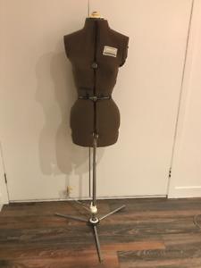 Mannequin pour couture a vendre