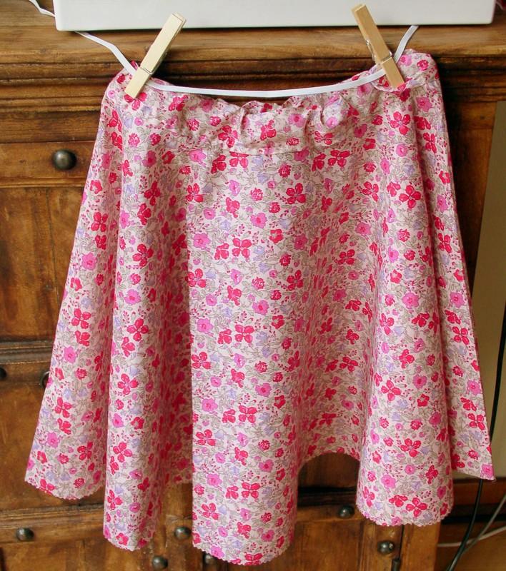 Coudre une jupe pour petite fille