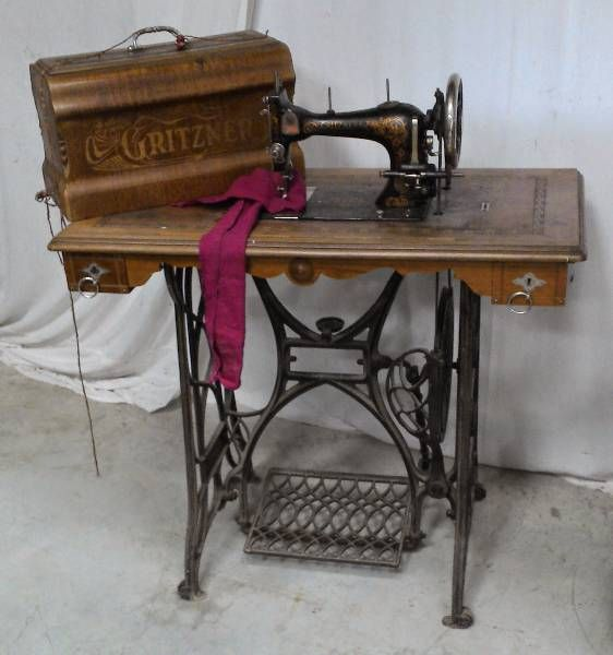Image vieille machine a coudre