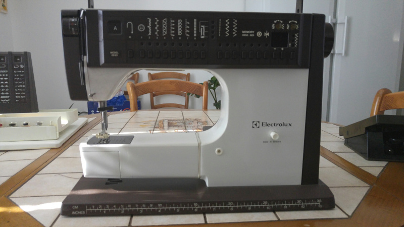 Machine a coudre electrolux electronic 4610