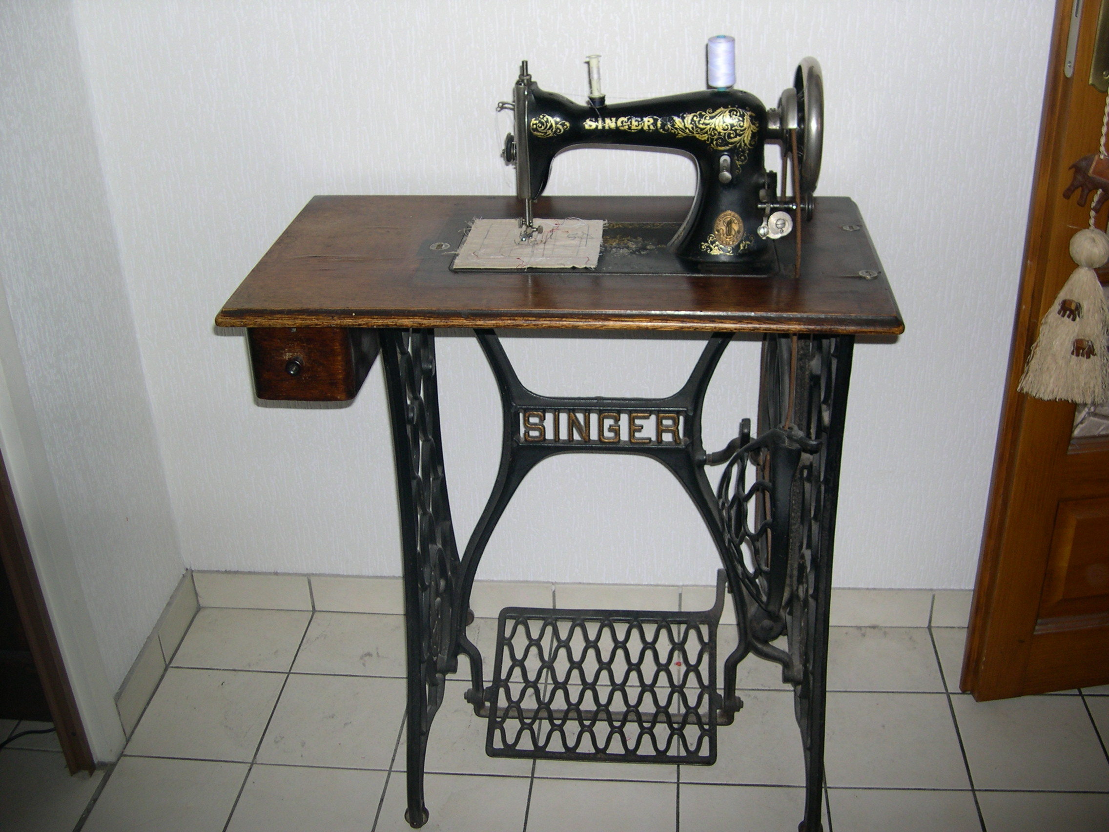 Machine a coudre ancienne shabby