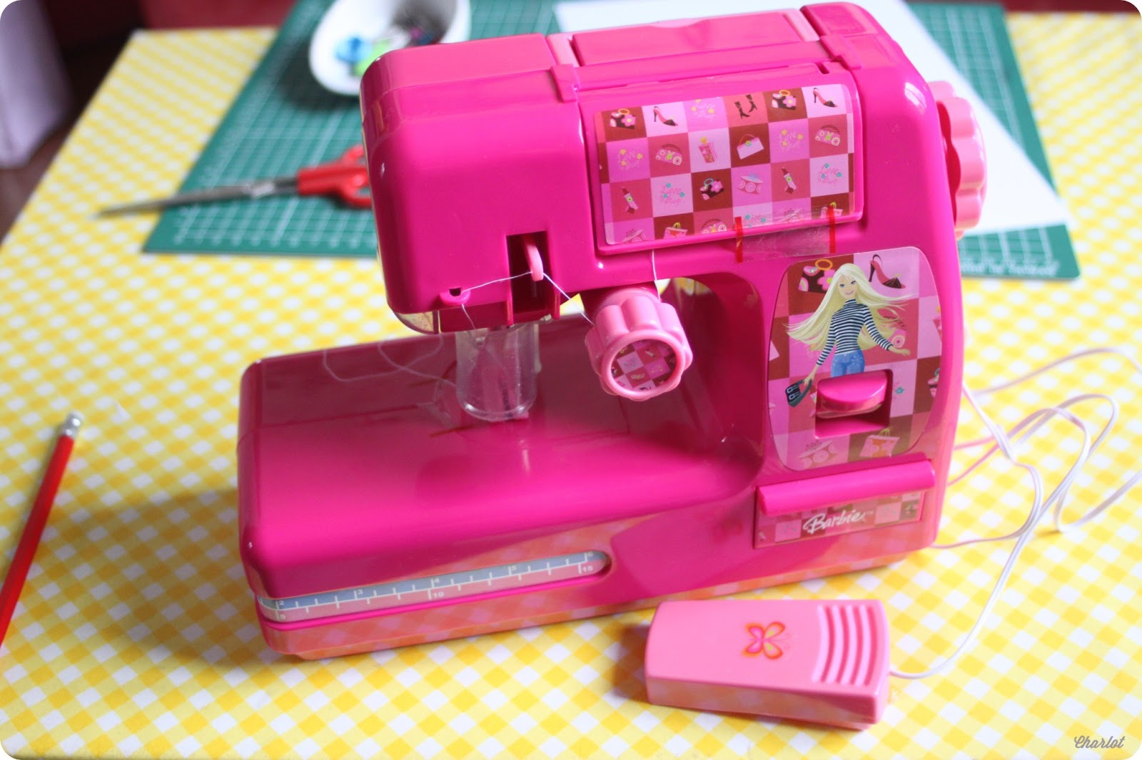 Barbie machine a coudre