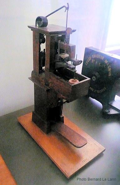 Thimonnier machine a coudre