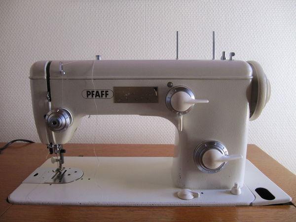 Machine à coudre pffaf